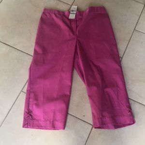 NWT Alfred Dunner Capri Size 16
